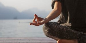 Read more about the article วิธีการฝึกสมาธิอย่างง่ายๆ